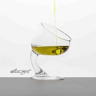 Hedonic tasting glass of olive oil Elaia zait