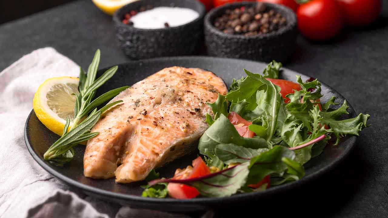 Salmon marinado con aceite de oliva arbequina